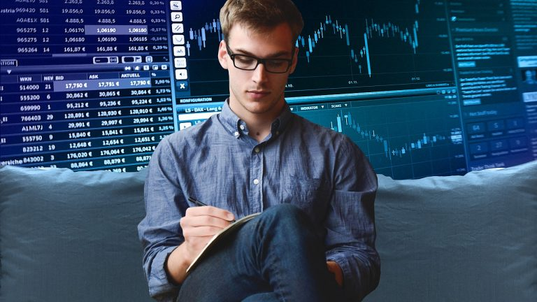 Comparative Study Between Fundamental and Technical Analysis